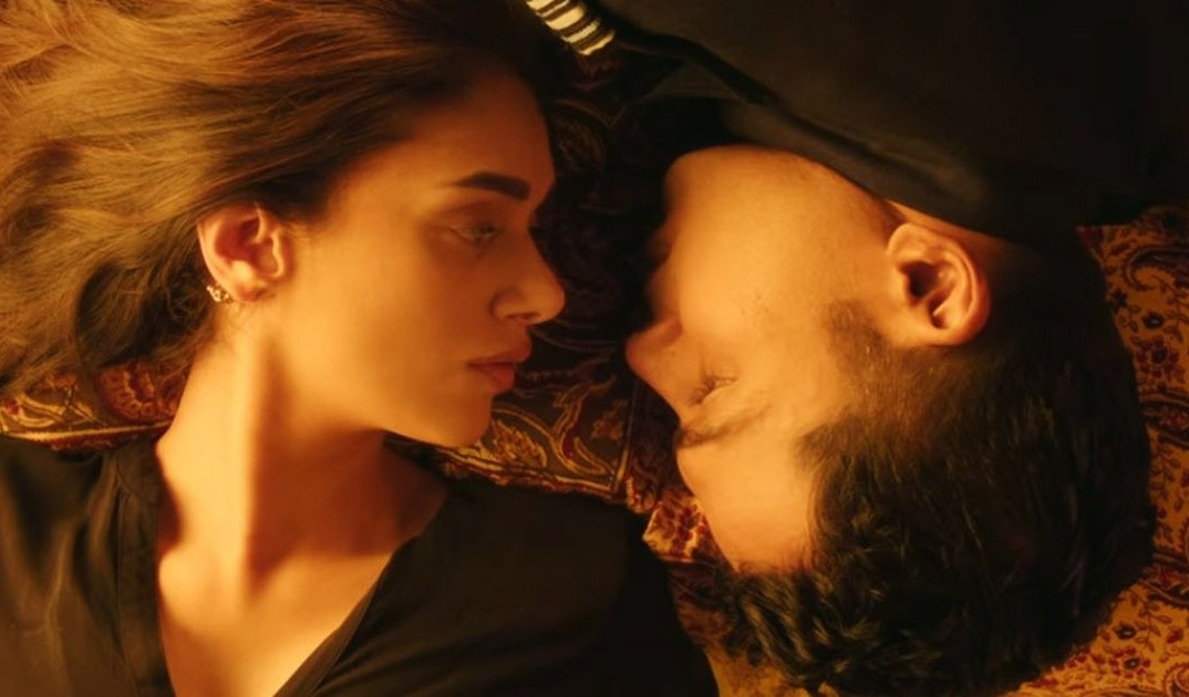 """Kaatru Veliyidai"" is a fitting ode to bizarre ways of love!"