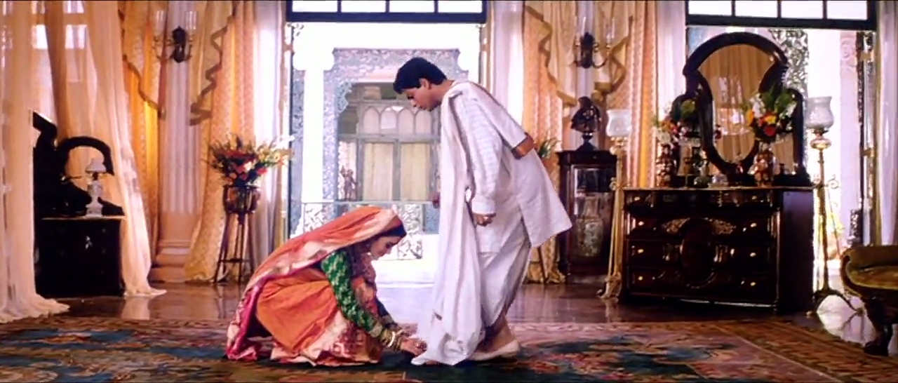 Paro Takes Devdas Blessings