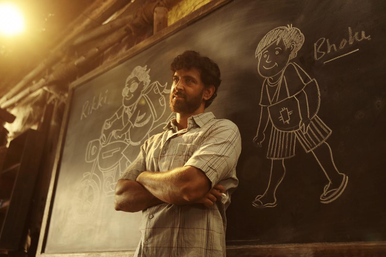 """Super 30"" buries its possibilities underneath its 'superstar safety net'…"