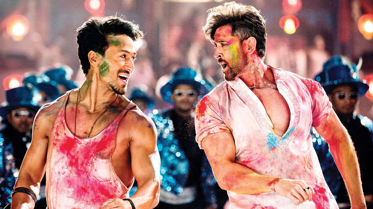 """""""War""""… For the love of Hrithik Roshan and breathtaking cinematography!"""